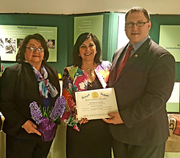 Horticultural therapist honored with Chairman`s Award.